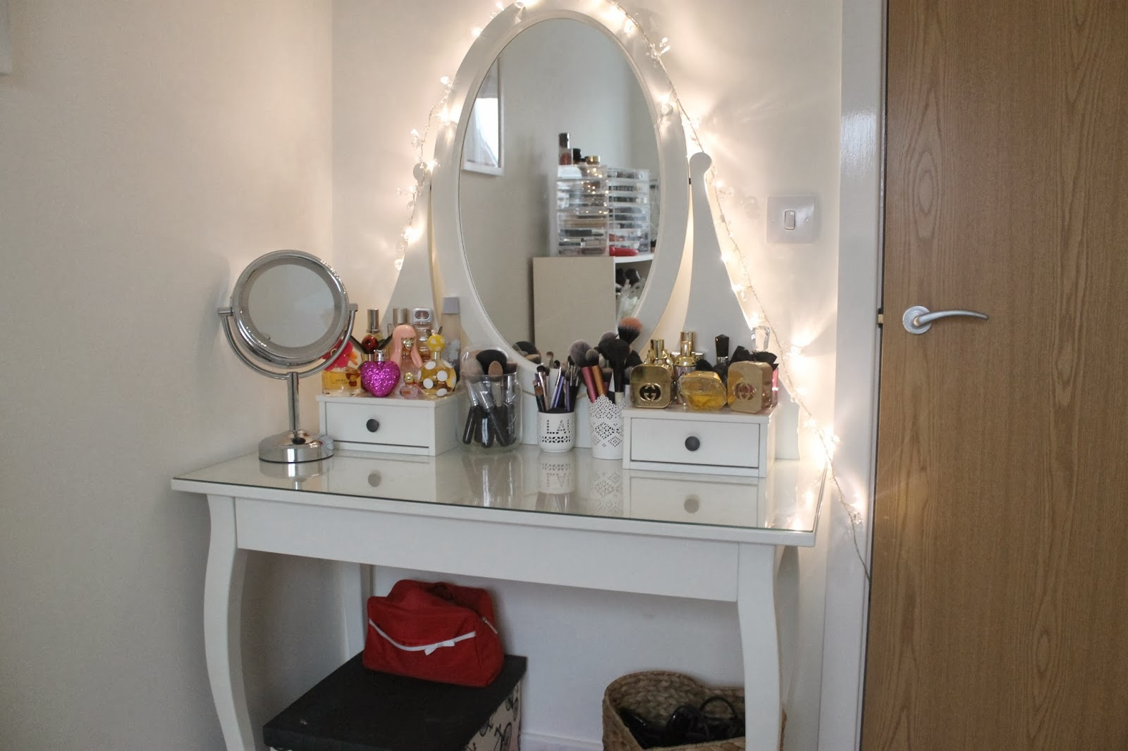 makeup vanity table mirror with lights lighting 0. Makeup Table Ikea Varnished Wooden Vanity Dressing Lights Lighting